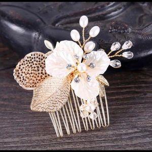 Gold Lead Flower Rhinestone Hair Comb